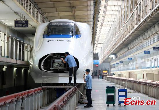 Train maintenance underway in Nanchang ahead of holiday travel peak