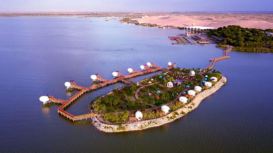 'Egg houses' dot Ningxia's Sand Lakes